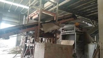悬挂自卸式除铁器应用现场